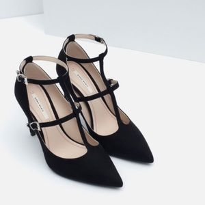 🌟 ZARA Pointed Toe Strappy Heels